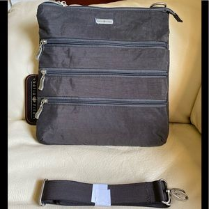 Sofia Vitali gray crossbody purse